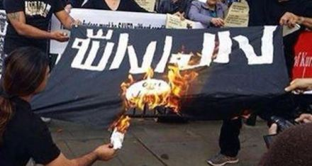 Burning the IS flag